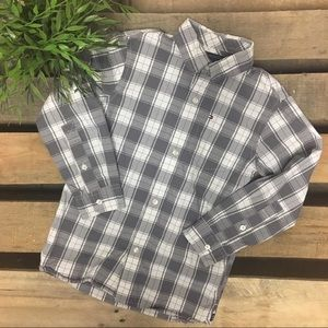 Tommy Hilfiger boys shirt size 6/7